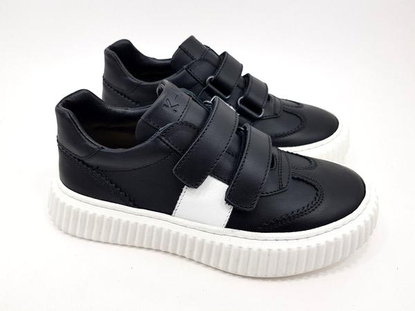 sneaker con velcro